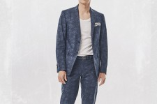Hyun-Bin in the portfolio picture from his official site.