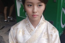 Kim So-Hyun in the shooting location of