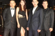 The Cast of Walking Street, Baek Sung Hyun, Lee Si Kang And Lee Song Lee, Together With Director Lee Sang Woo Grace The Red Carpet For SGIFF Benefit Dinner [PHOTOS}