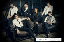 Front cover of Shinhwa's new album Unchanged.