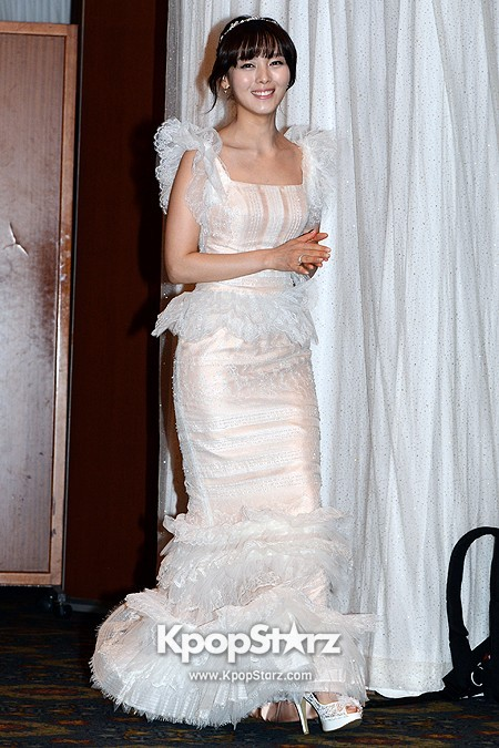 Wonder Girls Sunye's Wedding Press Conference at Seoul Lotte Hotelkey=>1 count17