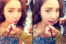 Shin Se Kyung, Funny Faces While Getting Makeup Done