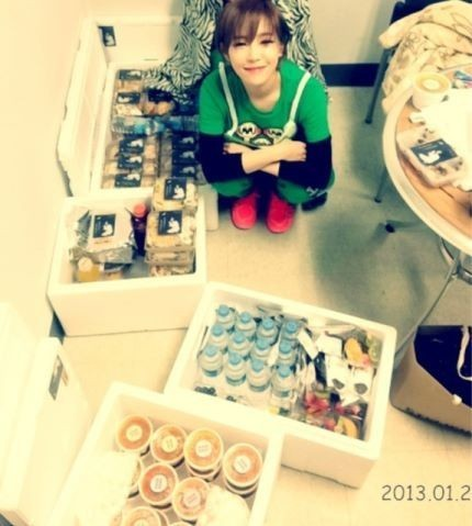 Gain Reveals Childlike Smile Next To Her Bundles of Presentskey=>0 count1