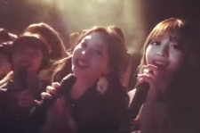 Nayon and other members of TWICE were fan-girling over Taeyeon.