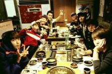 Super Junior Reveals 'Happy Virus' through Funny Dinner Group Picture