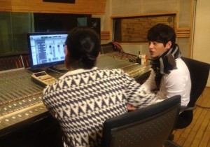 Seo In Guk, Talking To a Mysterious Woman in the Recording Room?
