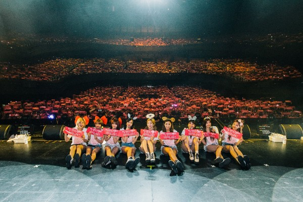 TWICE Cheer Up Singapore ONCE [PHOTOS]key=>2 count8