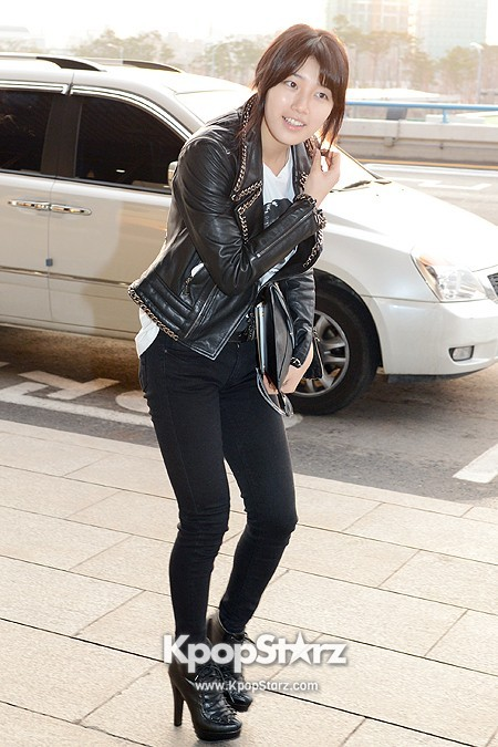 Suzy Leaving for Drama ' Big' Promotions in Japankey=>3 count21