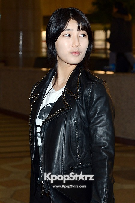 Suzy Leaving for Drama ' Big' Promotions in Japankey=>10 count21