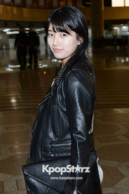 Suzy Leaving for Drama ' Big' Promotions in Japankey=>13 count21