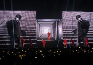 G-Dragon 2017 World Tour Act III M.O.T.T.E In Singapore [PHOTOS]