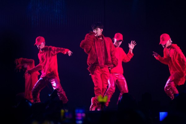 G-Dragon 2017 World Tour Act III M.O.T.T.E In Singapore [PHOTOS]key=>3 count7