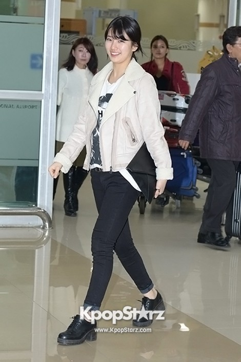 Airport Fashion: Suzy Returns to Korea Concluding Movie 'Big' Promotion in Youthful Fashion key=>3 count12