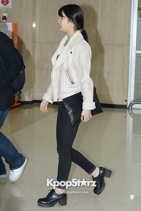 Airport Fashion: Suzy Returns to Korea Concluding Movie 'Big' Promotion in Youthful Fashion key=>4 count12