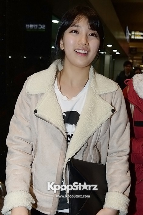 Airport Fashion: Suzy Returns to Korea Concluding Movie 'Big' Promotion in Youthful Fashion key=>8 count12