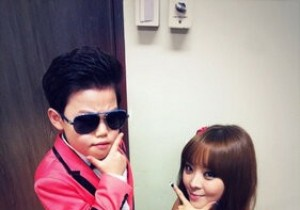 Brown Eyed Girls Narsha Takes Picture With Little Psy, 'So Cute'