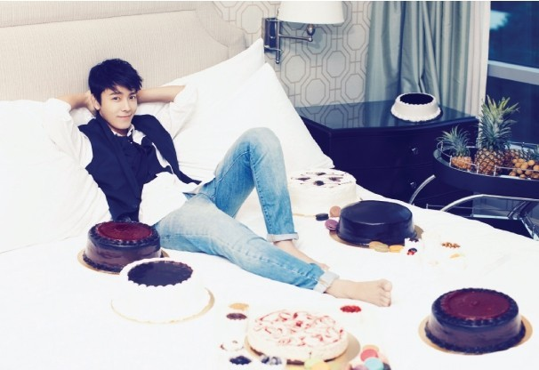 Dong Hae's Amazingly Handsome CeCi Magazine Shoot key=>0 count10