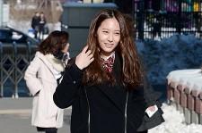 F(X) Krystal Makes the Perfect School Girl at the Hanlim Multi Art School's Graduation