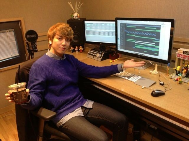 CNBLUE Jung Yong Hwa Reveals Recording Studio, 'Where the Magic Happens'key=>0 count1