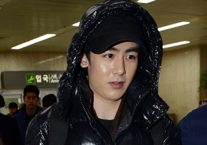 Airport Fashion: 2PM Returns to Korea Showered in Gifts Concluding Arena Tour ′LEGEND OF 2PM′