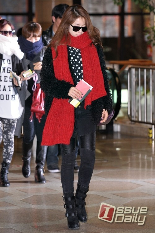 T-ara Jiyeon's Airport Fashion and Casual Stylekey=>1 count15