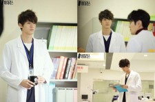 Lee Ki Woo Releases First Still Cuts from 'The Virus', 'Charismatic Doctor'