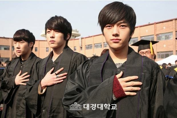 INFINITE Dongwoo, Hoya, Sungyeol, Sunggyu and L, Gradution of Daekyung University on February 15key=>0 count6