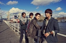 cnblue apologizes to crying nut