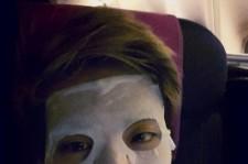 SHINee Jonghyun Uses Face Mask On an Airplane?