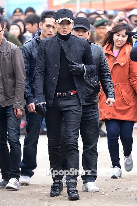 Se7en Entering army for Basic Training in Uijeongbu on March 19key=>1 count32