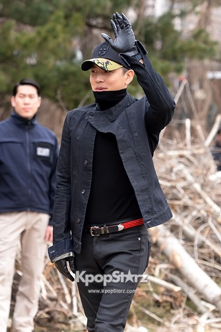 Se7en Entering army for Basic Training in Uijeongbu on March 19key=>7 count32