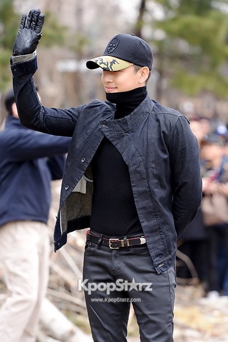 Se7en Entering army for Basic Training in Uijeongbu on March 19key=>9 count32