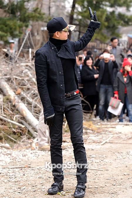 Se7en Entering army for Basic Training in Uijeongbu on March 19key=>12 count32