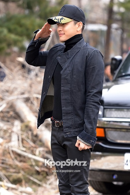 Se7en Entering army for Basic Training in Uijeongbu on March 19key=>16 count32