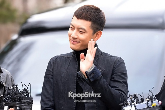 Se7en Entering army for Basic Training in Uijeongbu on March 19key=>21 count32