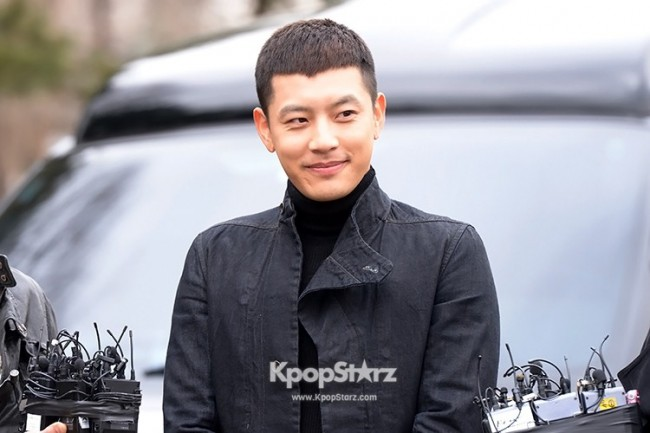 Se7en Entering army for Basic Training in Uijeongbu on March 19key=>22 count32
