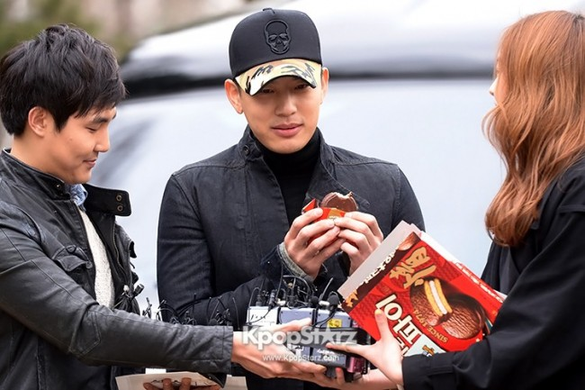 Se7en Entering army for Basic Training in Uijeongbu on March 19key=>24 count32