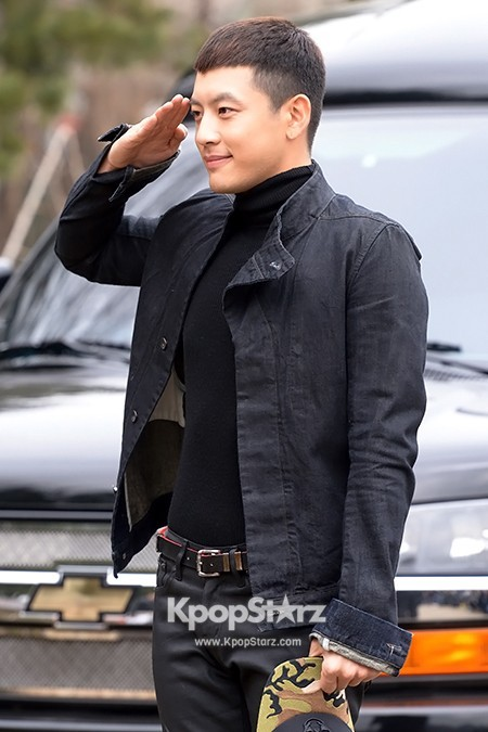 Se7en Entering army for Basic Training in Uijeongbu on March 19key=>30 count32