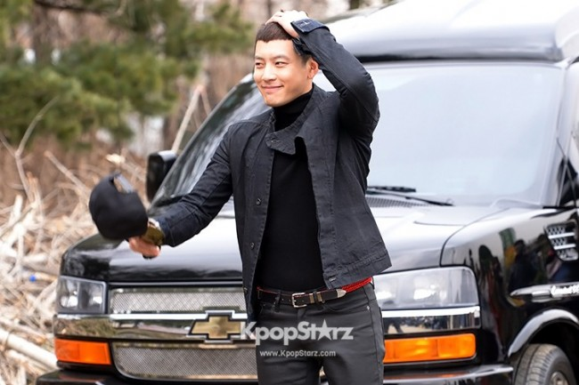 Se7en Entering army for Basic Training in Uijeongbu on March 19key=>31 count32