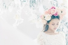 Lee Hi Ranks Number 1 with 'Rose' on Gaon Chart