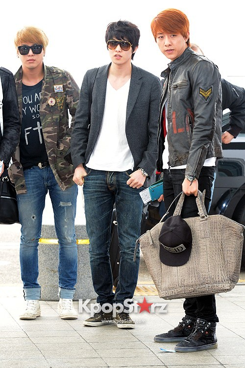 CNBLUE Leaving for Blue Moon World Tour in Taiwan - April 5, 2013key=>1 count7