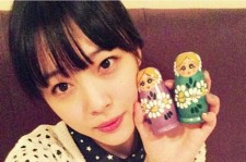f(x) Sulli Picture With Matryoshka Doll, 'Doll-Like Beauty'