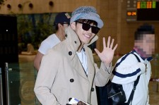2PM's Airport Style Leaving for Solo Concert 'Legand of 2PM' in Japan - April 19, 2013