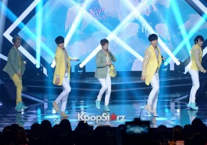 ZE:A Performs 'While You're Sleeping' on