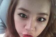 Girls' Day Hyeri Cute Self-Camera, 'The Point Is the Red Lips'