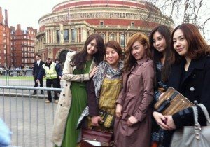 Girls' Generation Tiffany, Yoona & Seohyun 2012 F/W Burberry Prorsum Women's Collection Fashion Show in London