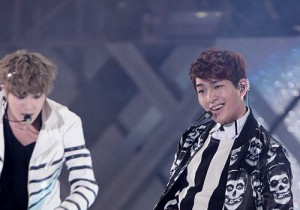 SHINee's Onew Performance at '2013 Dream Concert'