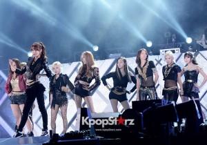 Girls' Generation(SNSD)  Taeyeon, Jessica, Sunny, Tiffany, Hyoyeon, Yuri, Sooyoung, Yoona, Seohyun Performing at 2013 Dream Concert