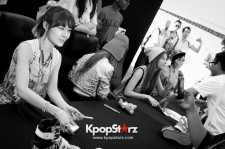 T-ARA N4 Cheerful At Impromptu Meet and Greet In Los Angeles [PHOTOS]