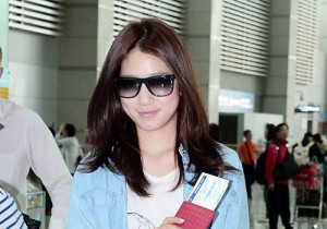 Park Shin Hye Leaving For Fan Meeting in Shanghai, China - May 17, 2013